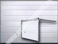 OPTIMA - középbordás, RAL9010 fehér színben faerezett felülettel